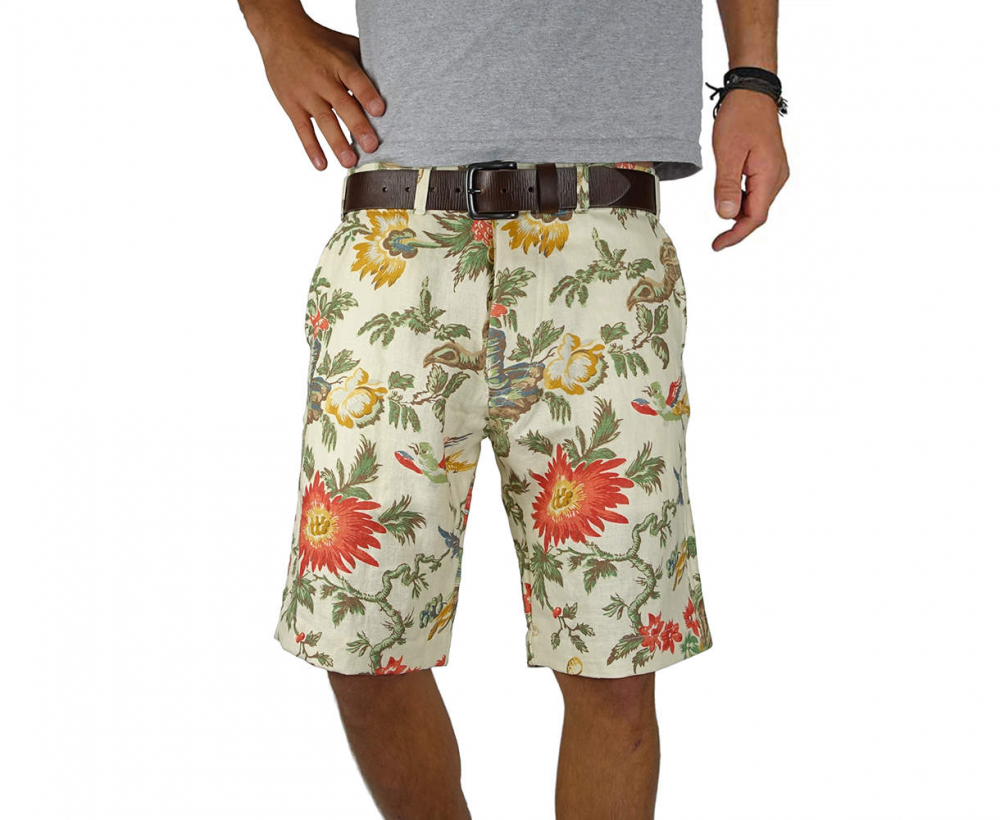 White Linen men's Short with colorful pattern - lifestyle